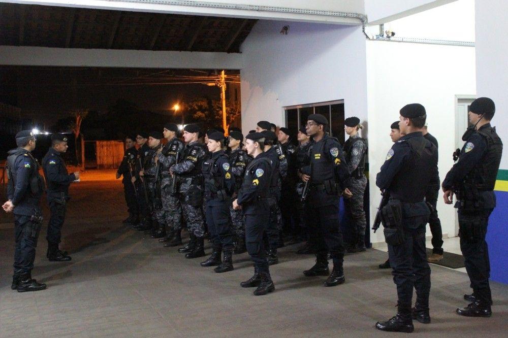 Policiais participam de operação em Pacarana - Foto: 4° BPM/Divulgação