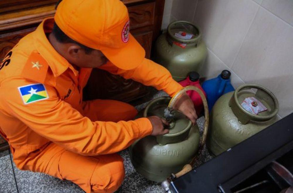 Entre as dicas de segurança: Fazer a correta instalação da botija e verificar a qualidade dos produtos. Fotos: Daiane Mendonça Secom - Governo de Rondônia