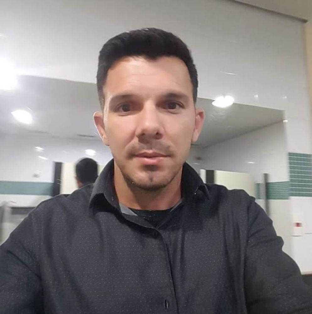 Claudinei Batista Sobral, 39 anos. Reprodução Arquivo Pessoal