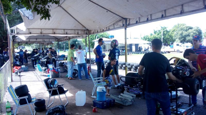 Rolim de Moura sediou ontem (05), a primeira etapa do Campeonato Estadual de Kart Fortex Hp 04 tempos. Fotos do período da manhã