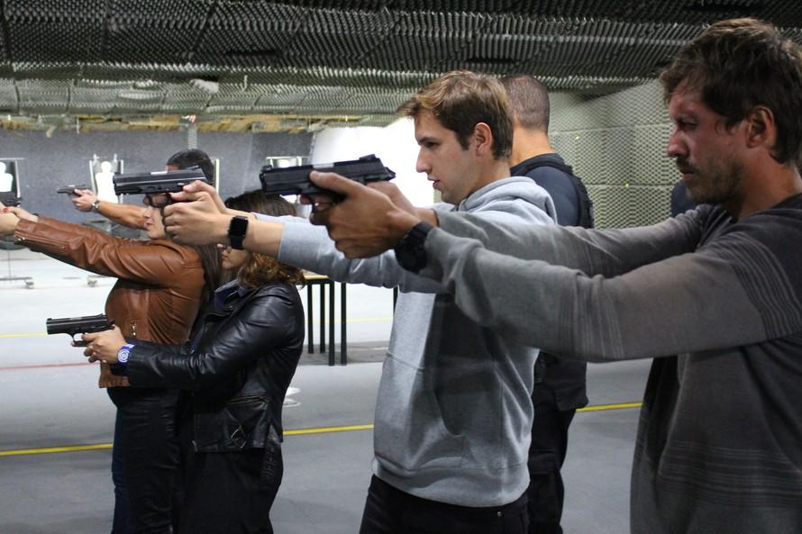 Veja as fotos do curso de orientação a jornalistas em áreas de conflito armado, realizado pela PCPR.