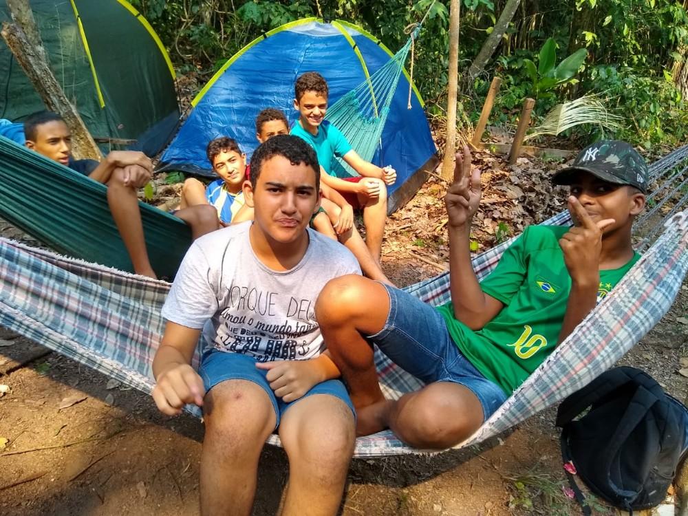 Alunos da Polícia MIRIM de Rolim de Moura participam do primeiro acampa Mirim