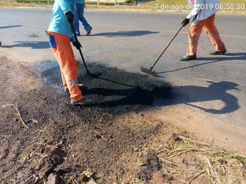 Rodovia começa a receber massa asfaltica, melhoria para o trafego regional