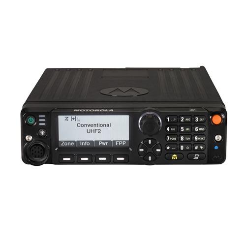 Equipamento de comunicação rádio digital da Motorola.