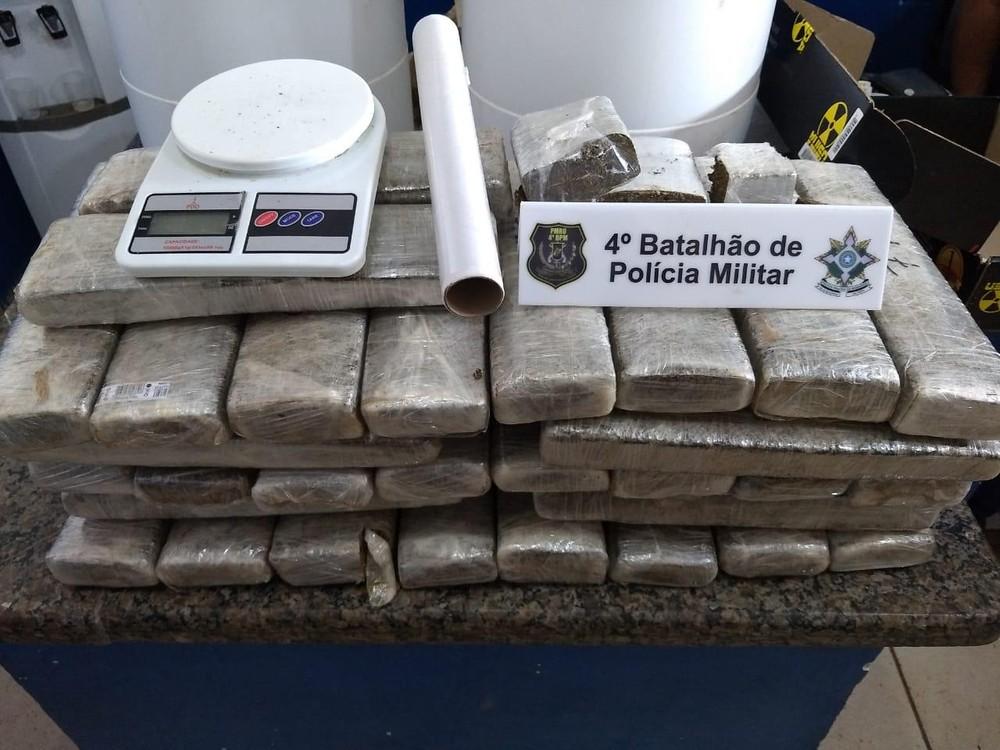 Mais de 30 quilos de maconha foram apreendidos em operação da PM em Cacoal - Foto: PM/Divulgação