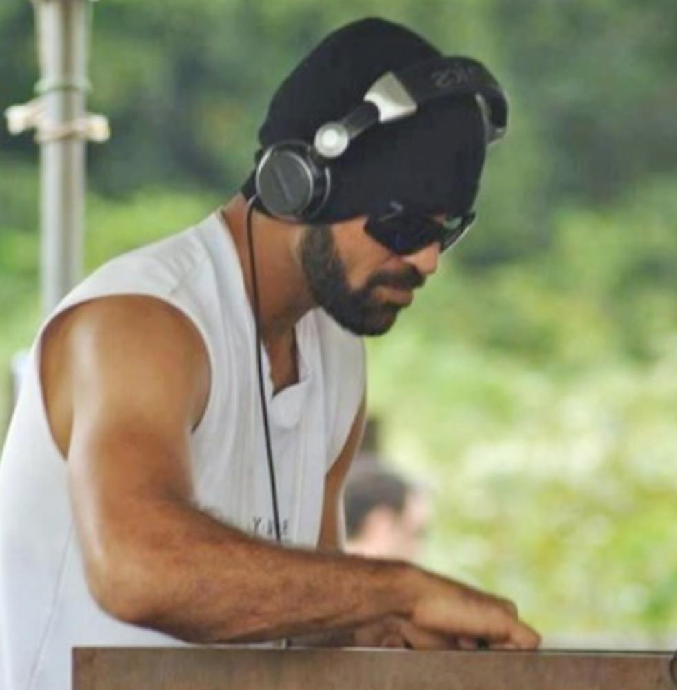 Eder da Silva, conhecido em Ji-Paraná como DJ Banana, foi encontrado morto carbonizado dentro de casa - Foto: Reprodução/ Redes Sociais