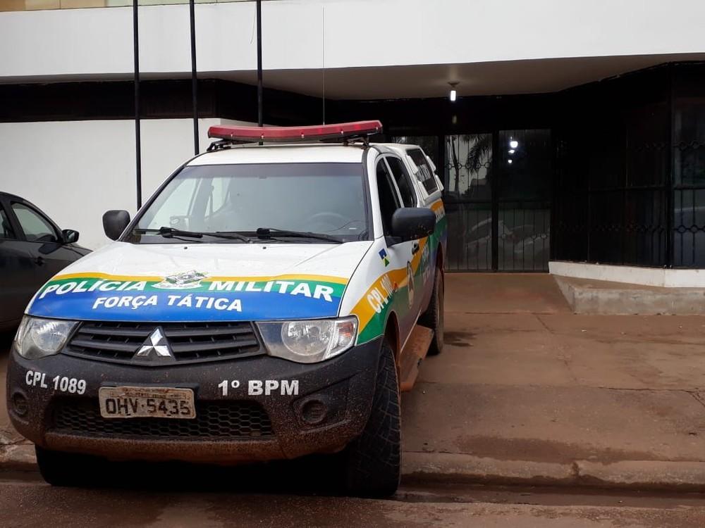 Suspeito foi levado preso à Central de Flagrantes em Porto Velho - Foto: Pedro Bentes/G1
