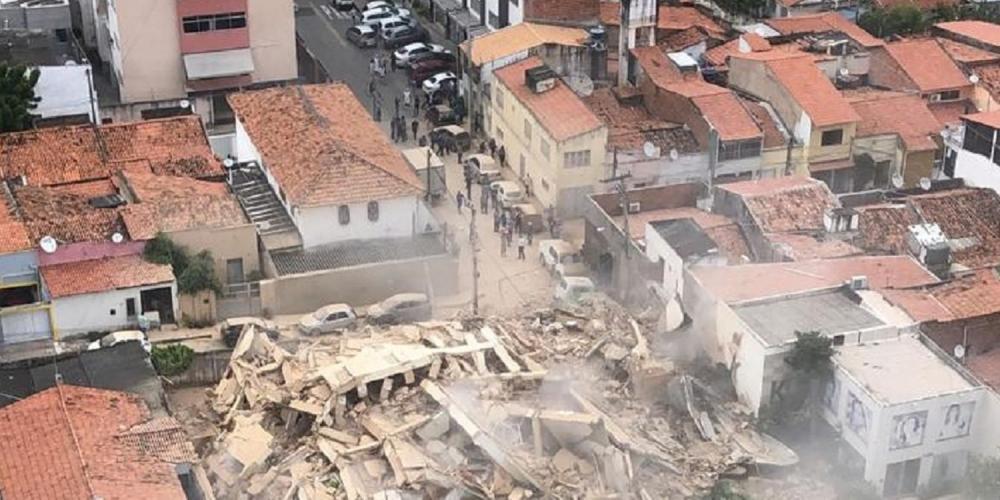 O edifício ficava localizado em um bairro nobre da capital cearense (Reprodução/ SVM)