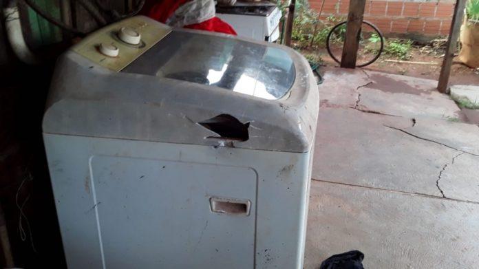 Menina estava perto da máquina de lavar da casa quando o raio a atingiu - Foto: Arquivo pessoal