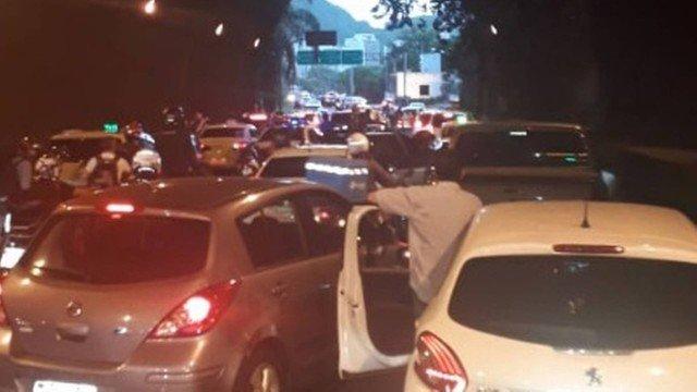 O Túnel Rebouças ficou fechado por 10 minutos Foto: Reprodução