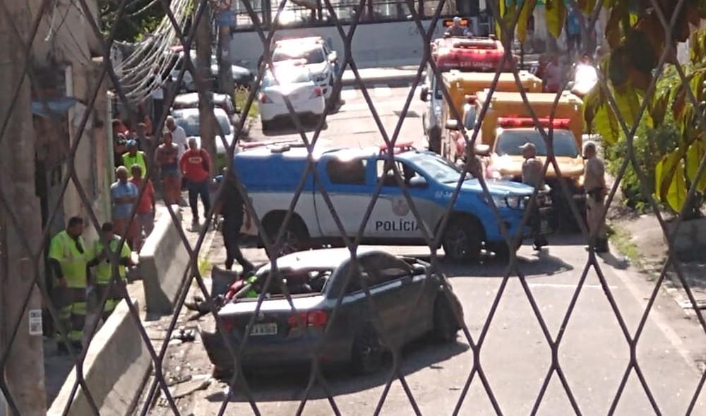 Carro bateu na Saída 2 da Linha Amarela, na Zona Norte do Rio - Foto: Reprodução/Redes sociais