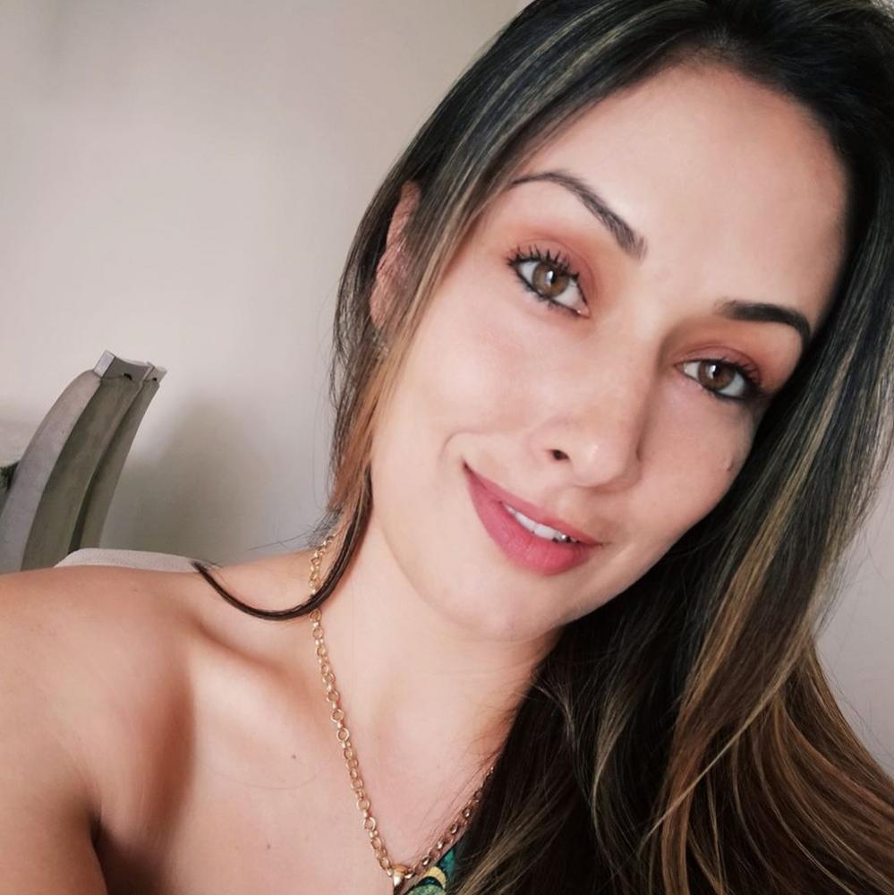 Adriele Francine Dezzotti tinha 33 anos e foi morta em loja de pneus em Piracicaba - Foto: Reprodução/Facebook