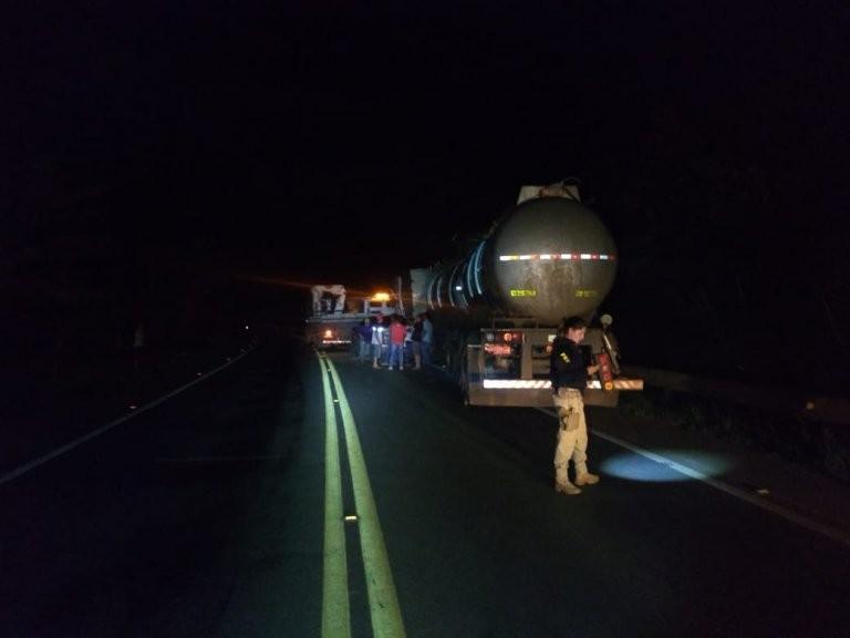 Engavetamento envolvendo vários caminhões, trânsito parado por horas na Br-364, em RO