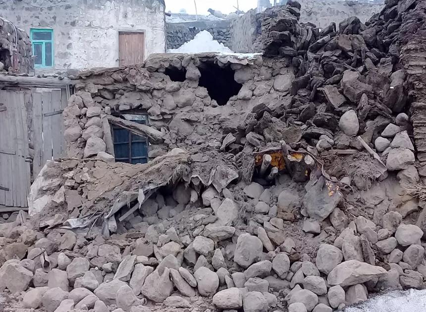 Terremoto atingiu a Turquia neste domingo (23) Foto: IHA via AP