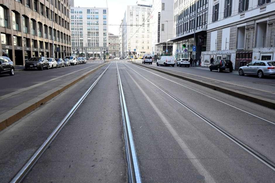 Rua vazia em Milão Foto: Flavio Lo Scalzo / Reuters