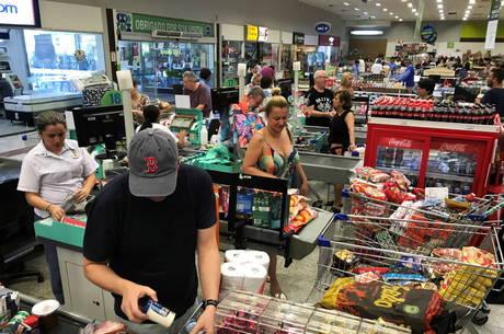 Fluxo nos supermercados cresceu devido ao coronavírus. Sergio Moraes/Reuters