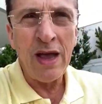 """Chamando humanos de """"cornos e cornas"""" pastor faz pedido para Jesus mandar mais coronavírus"""