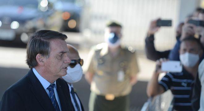 'Tudo aponta para uma crise', diz Bolsonaro ao citar atos do Judiciário
