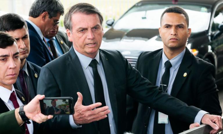 Bolsonaro diz que 'forças nada ocultas' querem deslegitimá-lo