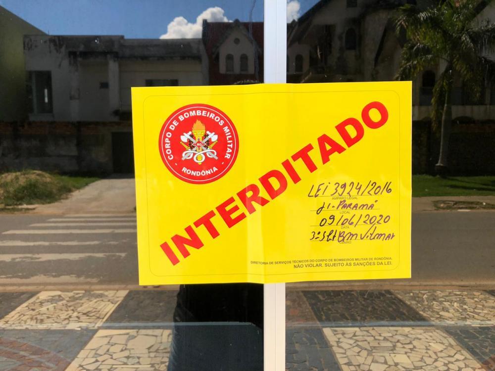 Polícia interdita igrejas em Ji-Paraná, mas faz vista grossa a escolas sem projetos de incêndio no estado