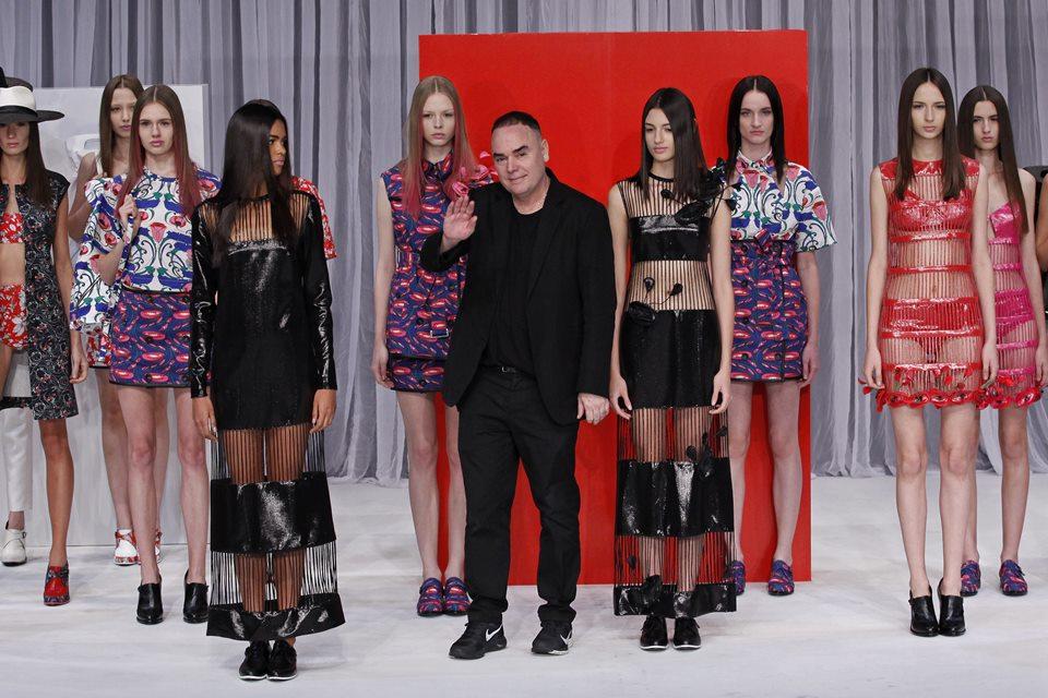 """Perfil que denunciou ícones da moda por racismo afirma ter """"coisas piores"""""""