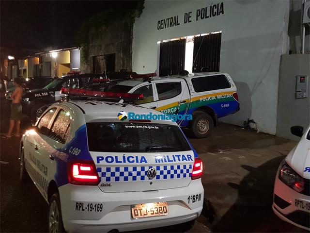 Advogada é flagrada passando celular a preso na Central de Polícia. Reprodução Rondonia Agora